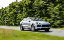 Обои автомобили Porsche Cayenne S Coupe (Dolomite Silver Metallic) - 2019