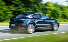 Обои автомобили Porsche Cayenne S Coupe (Moonlight Blue Metallic) - 2019