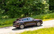 Обои автомобили Porsche Cayenne Turbo Coupe (Mahogany Metallic) - 2019