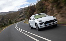Обои автомобили Porsche Macan Turbo (Carrara White Metallic) - 2019