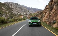 Обои автомобили Porsche Macan Turbo (Mamba Green Metallic) - 2019