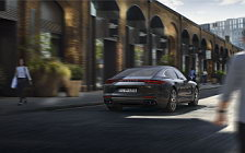 Обои автомобили Porsche Panamera Turbo - 2016